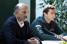 Bobby Rahal and Pedro de la Rosa, in Barcelona during a press conference, today