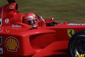 Schumacher waves at the crowd