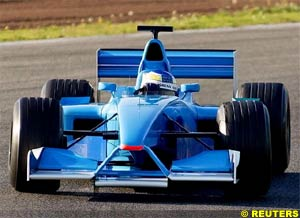 Fisichella at the wheel of the new Benetton, today