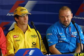 Jarno Trulli and Mike Gascoyne during today's press conference in Brazil